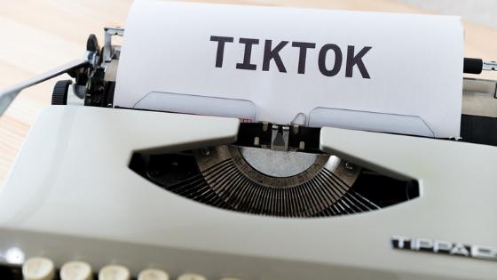 12 profili di giornalisti da seguire su Tik Tok
